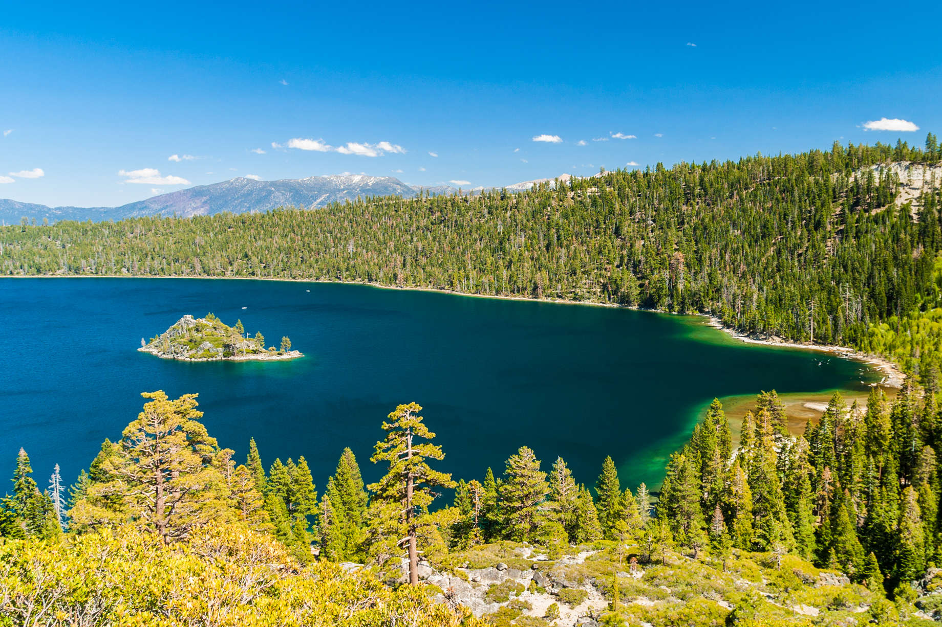 Best Lake Towns in the US: Lakes to Visit for Your Summer