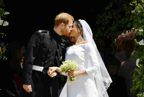 royal wedding kiss, prince harry, meghan markle