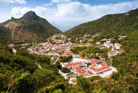 red roofed houses saba