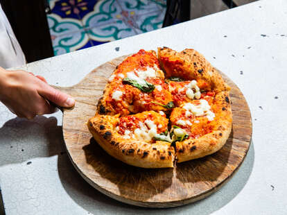 Keste pizza Fulton Street, monatanara pie deep fried pizza dough italian pizzas puff