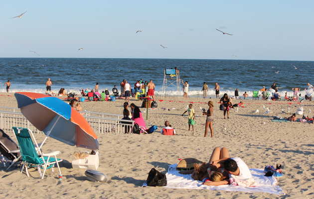 How to Have the Perfect Rockaway Beach Day