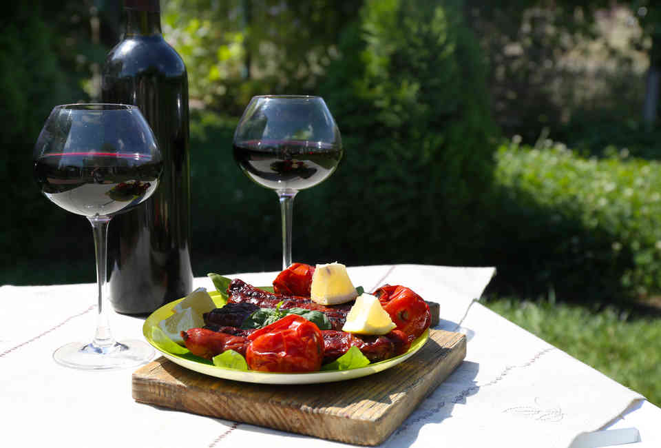 Red Wine Types, Explained: Differences Between Major Red