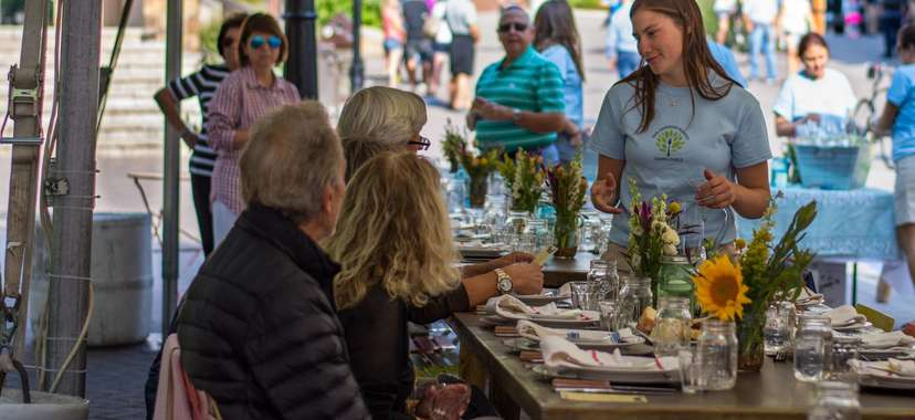 Vail Farmers' Market and Art Show