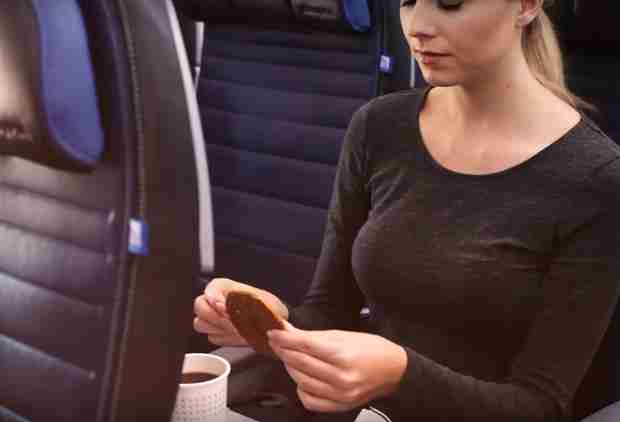 United Is Taking Away Its Most Beloved In-Flight Snack & People Are Pissed