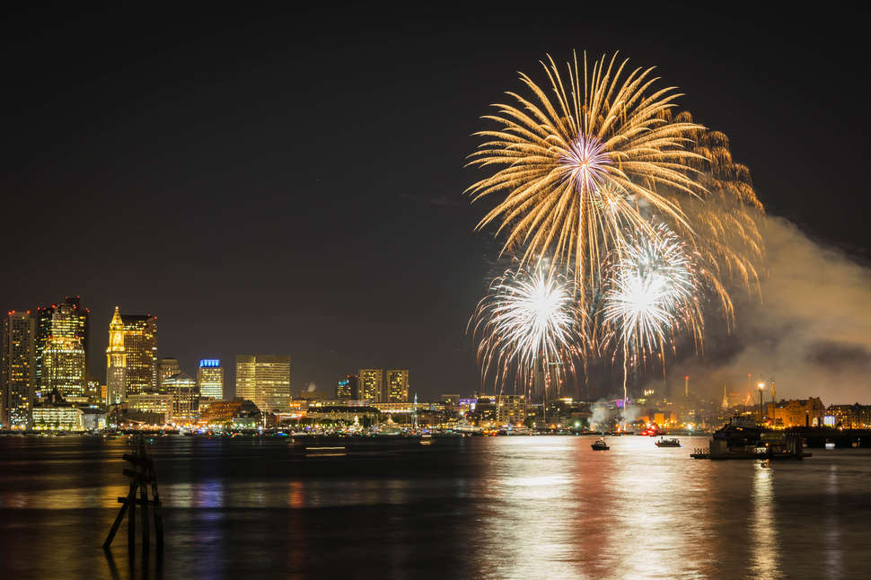 Free Concert At Hatch Shell July 30th >> Boston 4th Of July Fireworks 2018 Where To Watch Start Time More