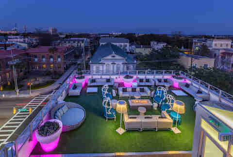Best Rooftop Bars In Charleston Where To Drink Outside