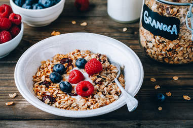 yogurt and granola breakfast