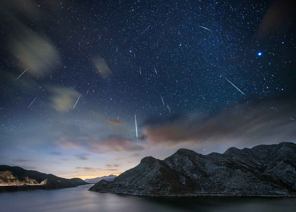 A Meteor Shower Arrives Tonight on an Incredible Night for Stargazing