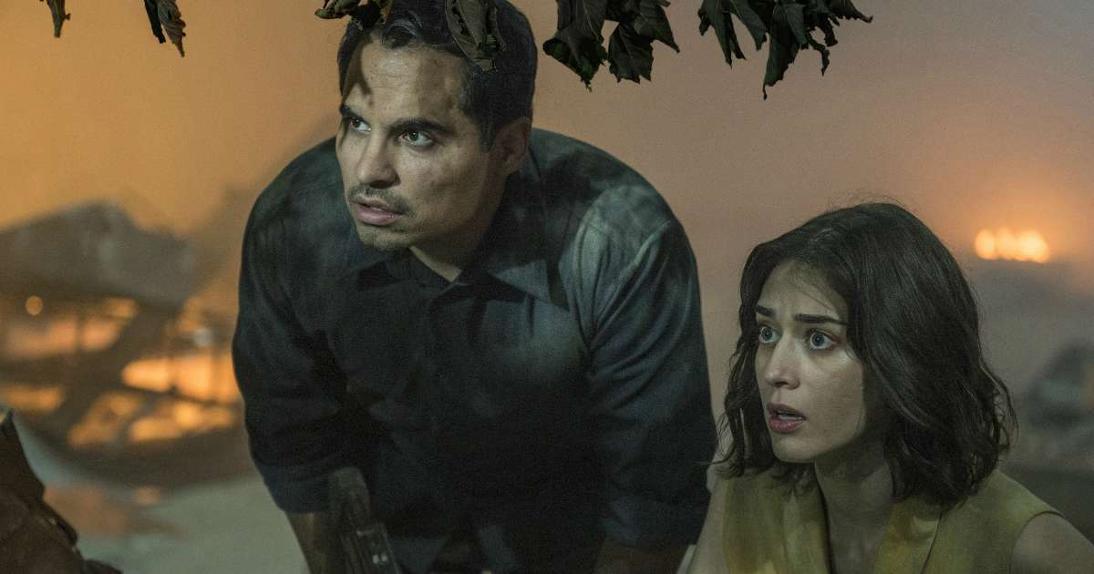 Extinction Netflix Review: Michael Peña's Messy Apocalyptic