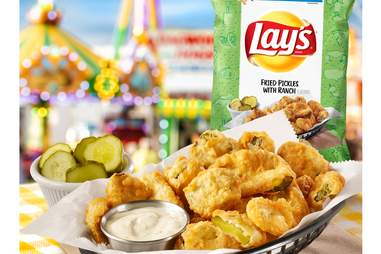 Lays Fried Pickles with Ranch chips
