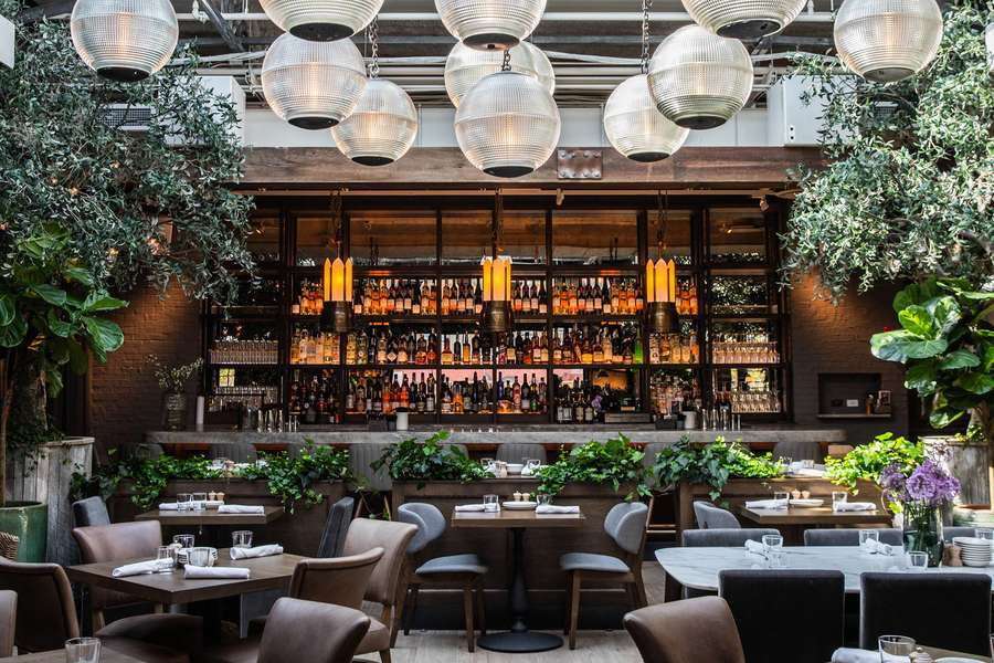 Best Rooftop Bars in Chicago: Cool Places to Drink With a ...