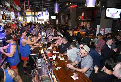 Best Sports Bars in NYC: Bars with NFL Sunday Ticket, Pay ...