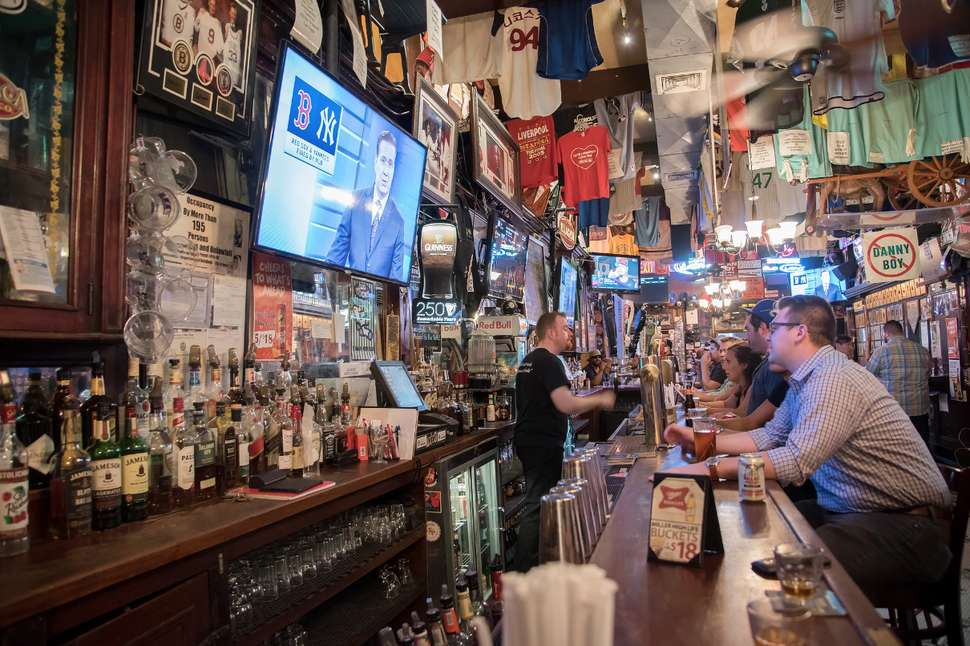 Best Sports Bars In Nyc Where To Watch Your Teams Games In Nyc