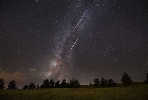 photograph perseid meteor shower 2018