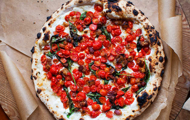 These 10 Unexpected Toppings Are the Key to Delicious Grilled Pizza