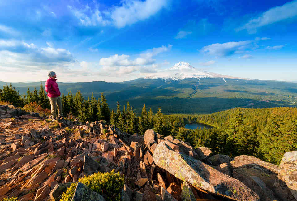 Best Hikes Near Portland: Hiking Trails and Parks Worth