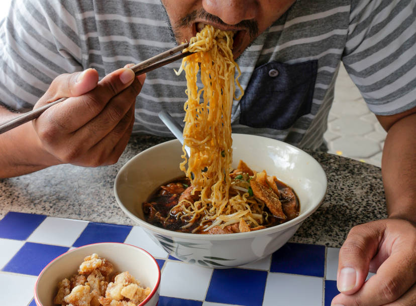 Chinese Noodle Types Explained Yao Mein Lo Mein Liangpi And More Thrillist