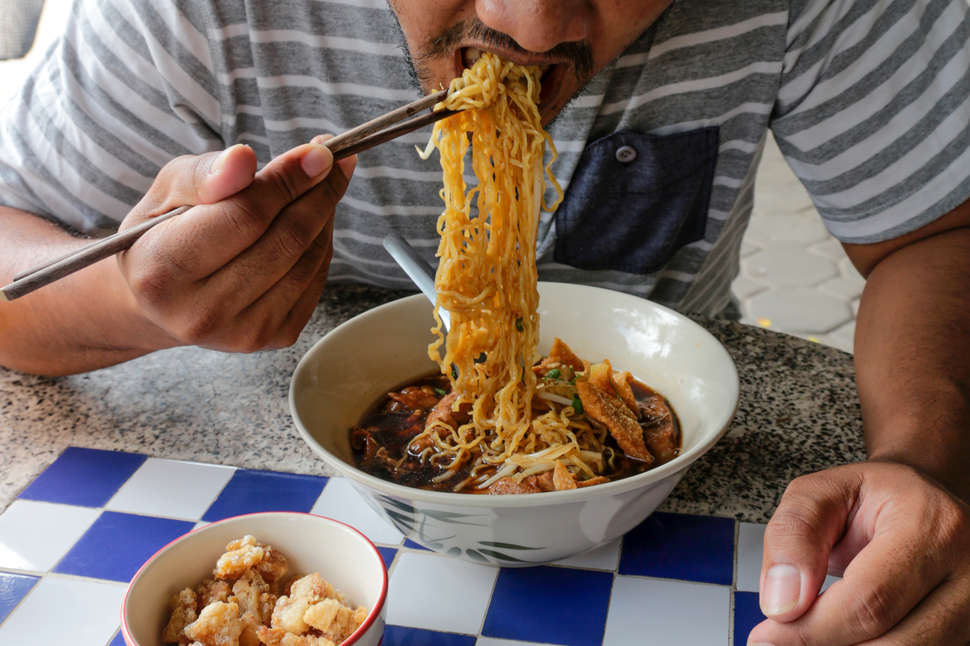 Chinese Noodle Types Explained Yao Mein Lo Mein Liangpi