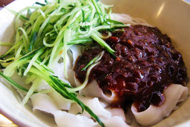 dao xiao mian sliced noodles knife cut noodle black bean sauce cucumber spicy