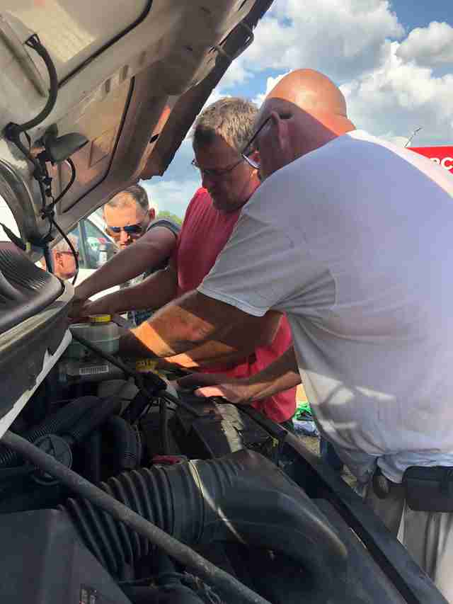 Animal transport van gets alternator repaired in South Carolina
