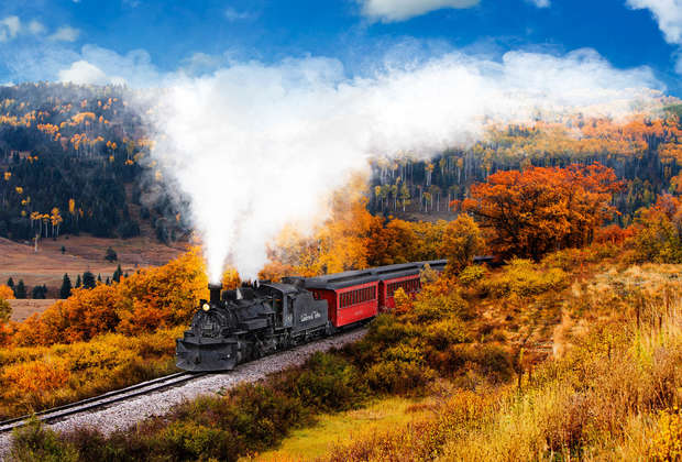 Catch Some Fall Foliage on These Beautiful Train Rides Across the U.S.