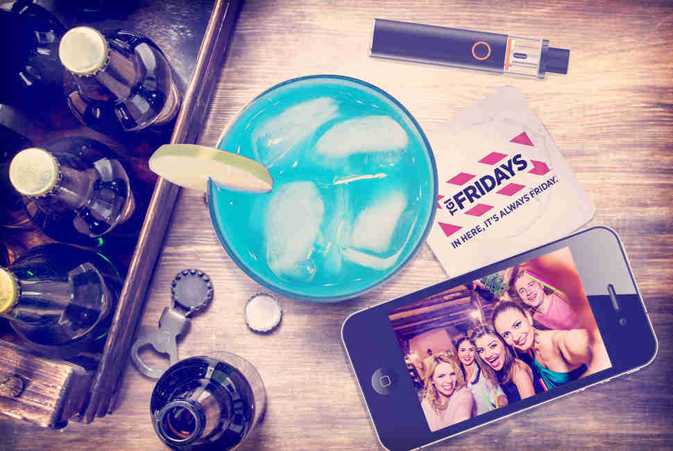 TGI Fridays table photo illustration