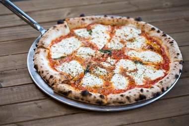 Lucia Pizzeria
