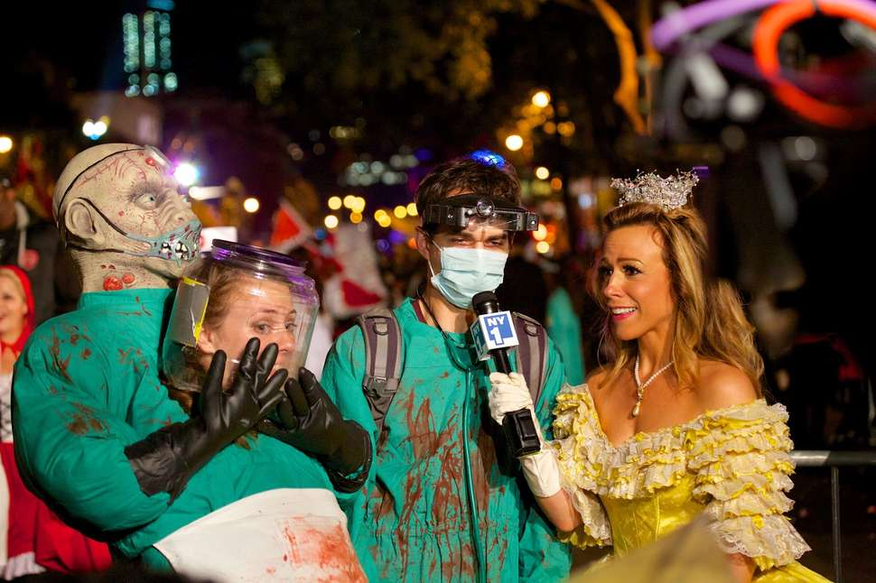 New York City Halloween Parade.Nyc Village Halloween Parade Guide 2018 Start Time Route More