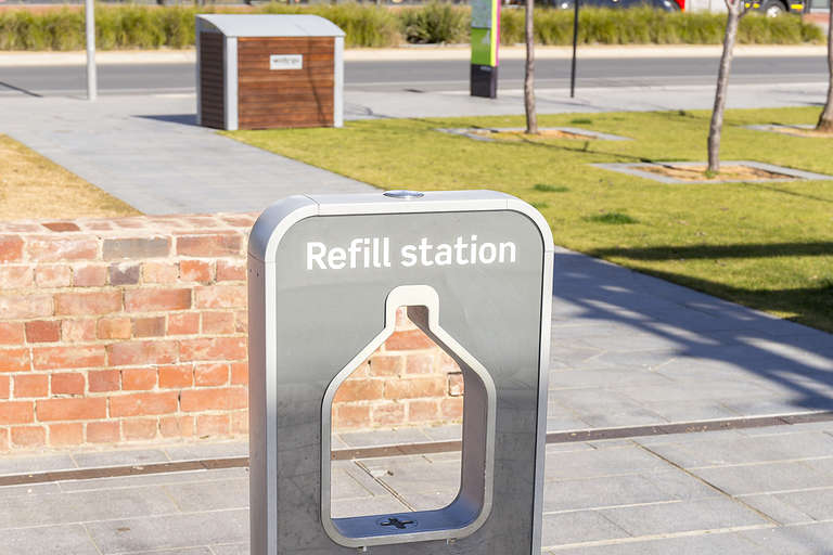 refill station, filling station, refillable bottles, drinking water