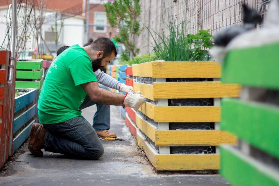 Volunteer Opportunities in Philadelphia for Groups and
