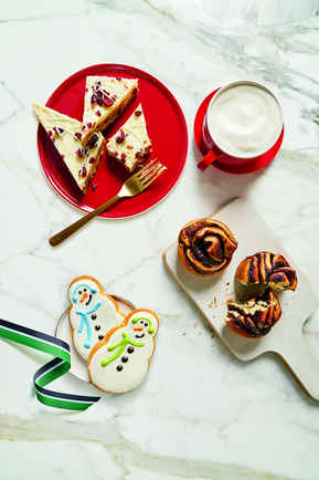Starbucks Christmas Drinks 2018.Best Starbucks Holiday Drinks 2018 Every New Holiday Drink