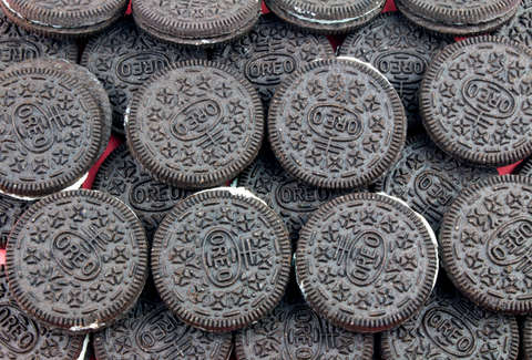 What Color Are Oreos Oreo Ends The Black Vs Brown Debate