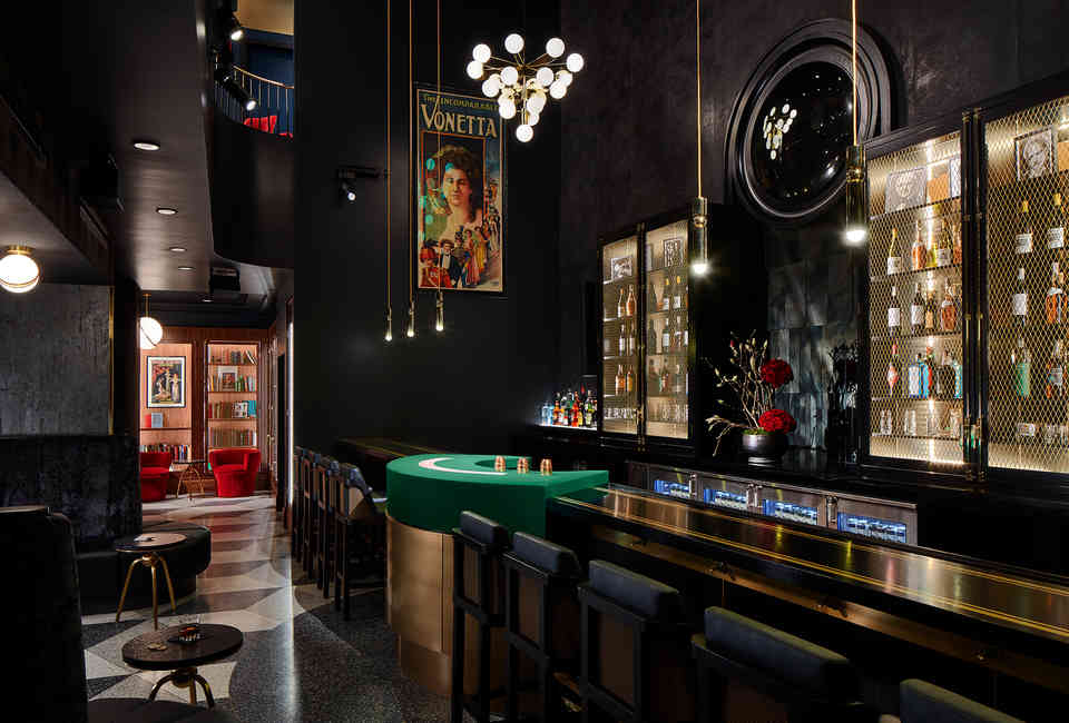 Outstanding Best Chicago Speakeasies And Secret Bars To Go For Drinks Uwap Interior Chair Design Uwaporg