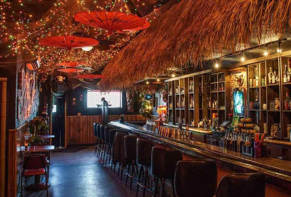 Hook up bar in Michigan