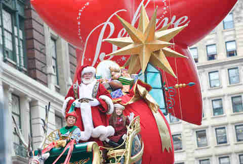 santa claus thanksgiving float