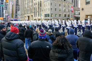 macy's thanksgiving parade crowd