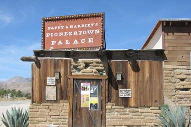 Pappy + Harriet's