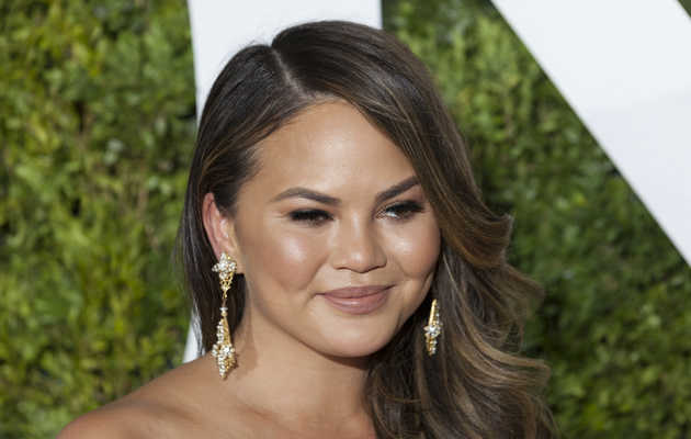 Chrissy Teigen May Team Up With Delta to Make Airline Food That Doesn't Suck