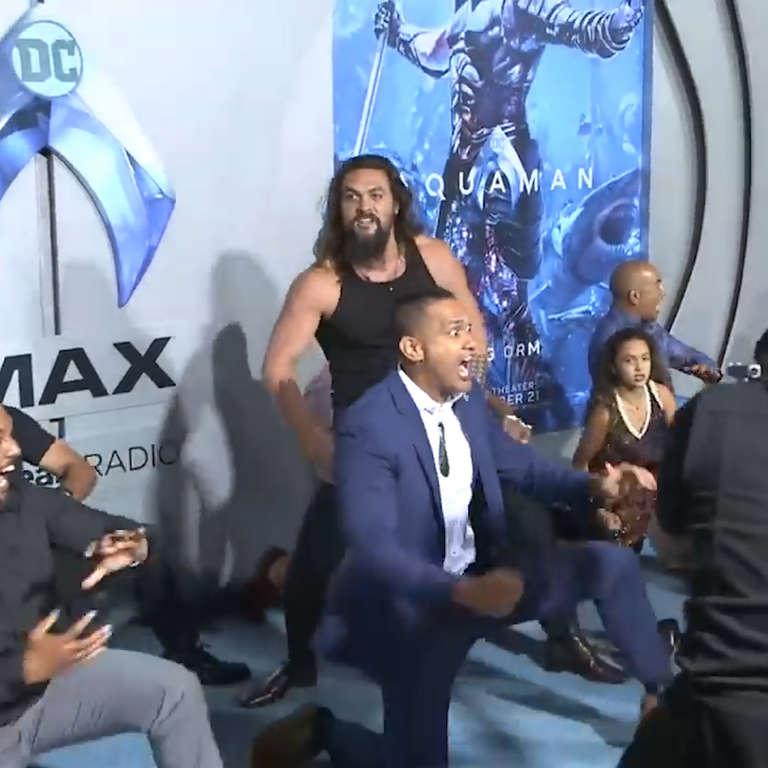 Jason Momoa Haka: Jason Momoa Leads Haka At 'Aquaman' Premiere