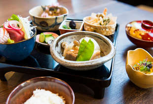 Seattle Best Restaurants Bars And Things To Do Thrillist