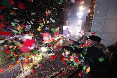 confetti times square nye