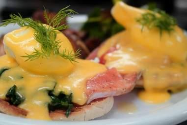 Crescent Grill eggs benedict