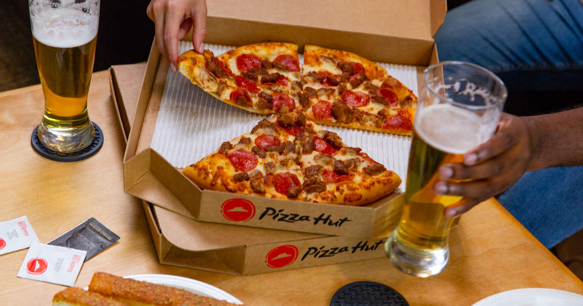 Pizza Hut Will Now Deliver 6-Packs of Beer With Your Pizzas From More Locations