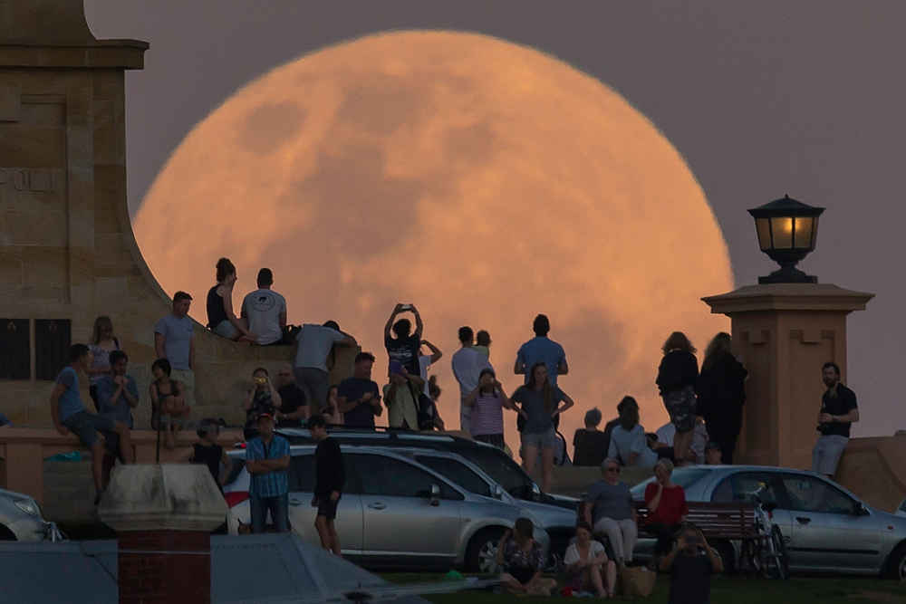 There Will Be a Total Lunar Eclipse of a Supermoon Tonight. Here's How to See It.