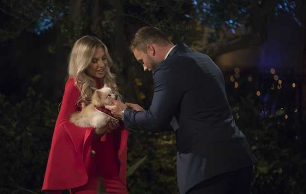 The 6 Weirdest Entrances From 'The Bachelor' Season 23 Premiere