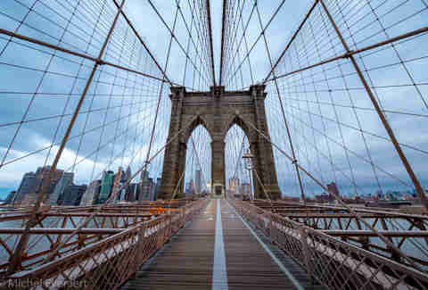 brooklyn bridge walking path