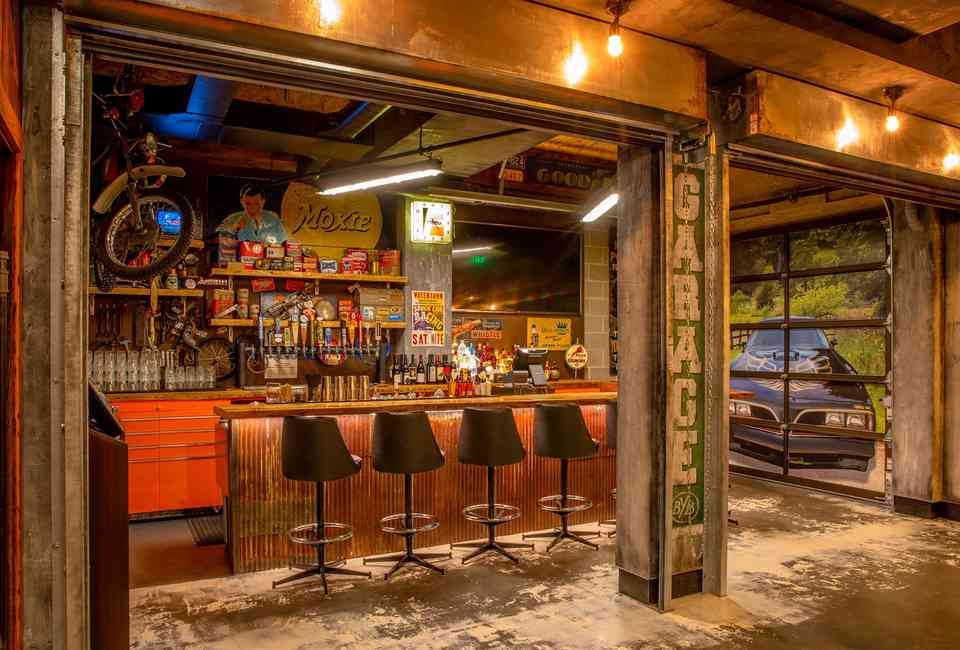 Where to Watch the Super Bowl in Boston: Best Sports Bars