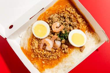 jollibee fiesta noodles pancit palobok glass egg shrimp sauce ground beef noodle