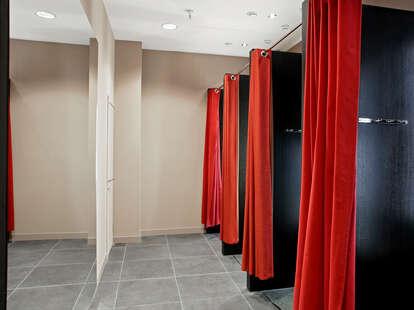 drinking dress room