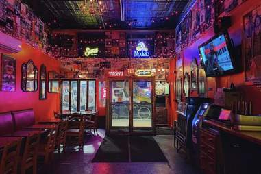 Looking Glass Bar & Grill